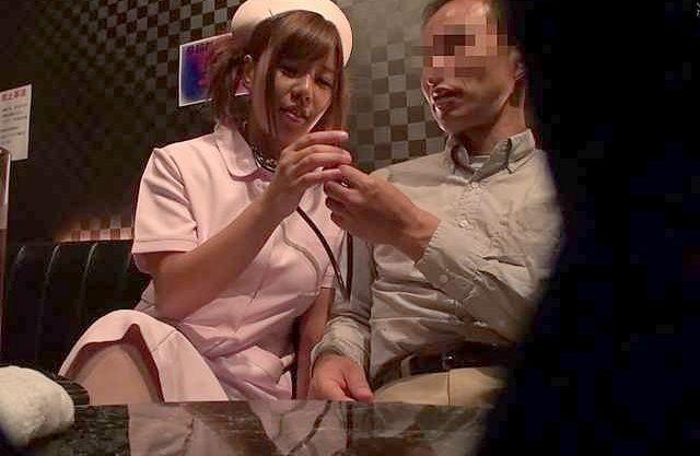 ◆爆乳◆「内緒にしてね…♡」媚薬の力でおっパブ嬢が痴女化!店員に隠れてゆっくり挿入、我慢ならずにガン突きピストンでイク!