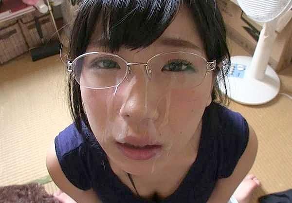 ◆素人◆ビンカン絶頂メガネっ子!「いっぱいイカせて♥」悶絶のねっとりフェラ!可愛いお顔に大量顔射でフィニッシュ!