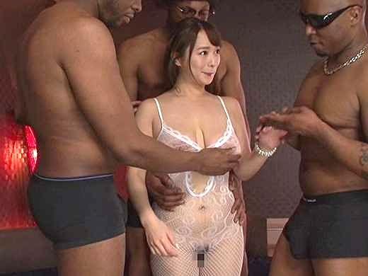 ◆黒人◆『いやぁぁッ!コレすごい…♡』世界級デカチンを挿入!黒い巨根で突かれてデカ乳輪で悶えちゃう乱交SEX!!