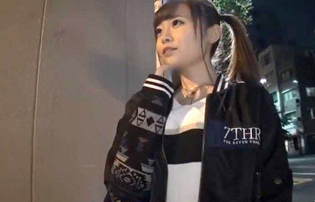 ◆ギャル◆『SEXどこでする?』関西弁でおじさんを刺激の激カワスレンダーギャル!!チ○ポにまたがりイキまくりの痴女www