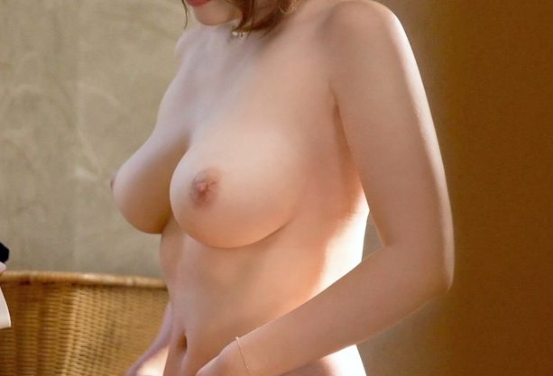 ◆NTR温泉◆『んっあの…私夫と一緒なんで…♥』爆乳人妻に迫るイケメン!おっぱい揺らす不倫SEXで寝取られる不貞奥様!!