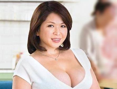 ◆熟女◆『おばさんで童貞捨ててみる?♡』母の友人はぽっちゃり巨乳のデブおばさん!ねっとりフェラに大興奮でそのまま膣内射精