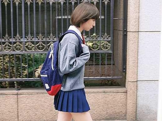 ◆レイプ◆『この子とヤリたい…』素朴な女子校生に一目惚れ!衝動的にナンパして口車に乗せて犯しまくる男!!