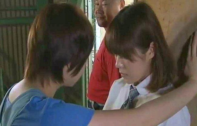 ◆ヘンリー塚本◆『お前、まだ処女なのか?』トイレで一人Hする制服女子校生!廃屋に連れ込まれてレズ調教を受けるww