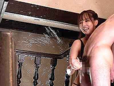 ◆三上悠亜◆『いっぱい出てるぅぅ♥』痴女アイドルの凄テクで亀頭責め⇒男潮スプラッシュで絶叫!淫語連発で責める小悪魔ww