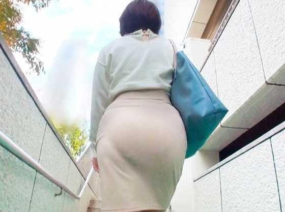 ◆人妻◆『あぁッ…!?何するんですか!?』むっちり巨尻にフル勃起!即ハメ衝動押さえきれずに生挿入で悶絶させちゃうww
