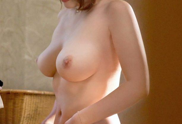 ◆NTR温泉◆『あっあの…私には夫が…♥』寝取られ希望の夫が張った甘い罠!!イケメン誘惑で寝取られFuckしちゃう爆乳妻