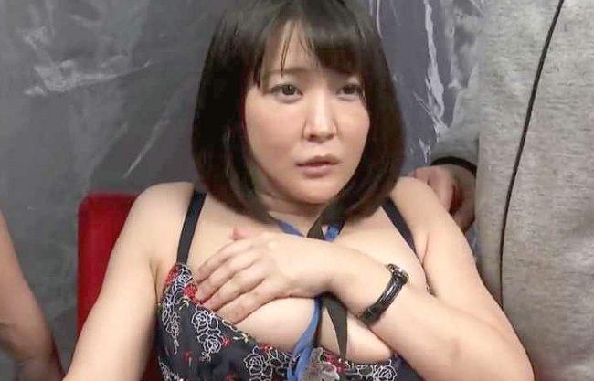 ◆MM号◆『な、なんで私なんですか!?』女優不在で爆乳ADでリハーサル!本番どおりの生ハメで膣内射精の理不尽SEX
