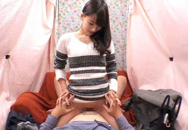 ◆人妻ナンパ◆『挿れちゃうよ…♡』誠実な童貞クンを母性でリード!素人妻が腰振り騎乗位で筆下ろし!!