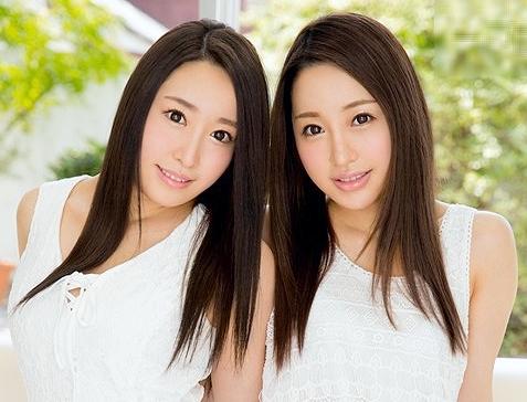 ◆双子◆ガチの双子が同時にデビュー!顔も身体も隅々そっくりな美人姉妹が肉棒懇願悶えまくりの初脱ぎFuck!!