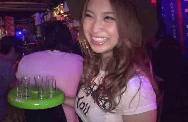 ◆爆乳◆『あぁッ、だめぇ♥』Barの爆乳看板娘をガチ泥酔させて悶絶Fuck!巨尻に生挿入の膣内射精で絶頂ww