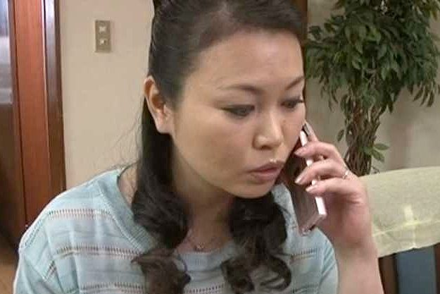 ◆熟女◆『んっ…もっとちょうだい…♥』四十路人妻が我が子のチ○ポをフェラ抜き!悶絶しまくりの近親相姦
