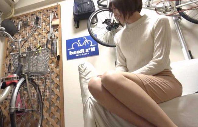 ◆人妻ナンパ企画◆『あぁッ、やめて…!』自転車主婦を鬼畜に襲う寝取られFuck!無理ハメ挿入で絶叫しちゃうおばさんww
