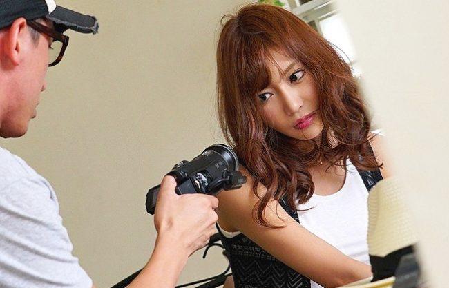 ◆明日花キララ◆『ど、どこでこの映像を…!』鬼畜ADがNo1女優を脅迫!ヤバイ動画の拡散をネタに性奴隷化して凌辱