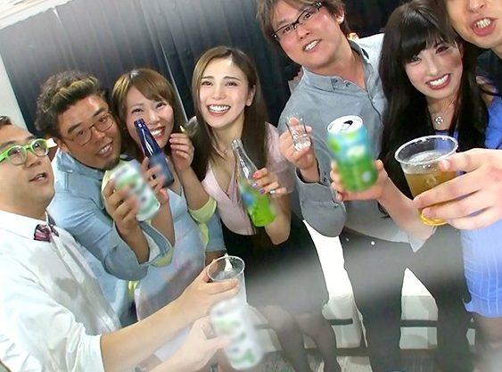 ◆乱交◆『もっと欲しいの♥』フリーなナースがチ○ポ求めるヤリコン飲み会!泥酔ノリで乱れちゃう大乱交w