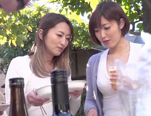 ◆人妻◆『ナイショだからね…♥』パーティで泥酔した勢いで不倫!爆乳主婦が他人棒に乱れちゃうNTR性交ww