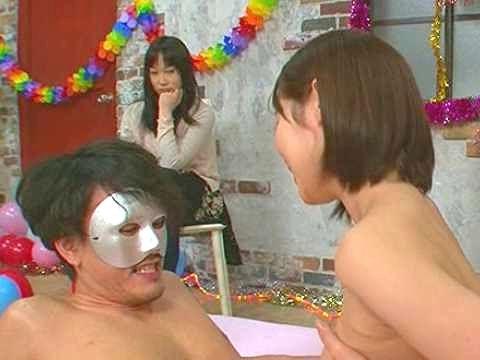 ◆NTR◆『イッてもいいよ♥』プロ女優の痴女テクをガマン企画!耐えれば50万円⇒秒殺で陥落して彼女の前でNTRファックw