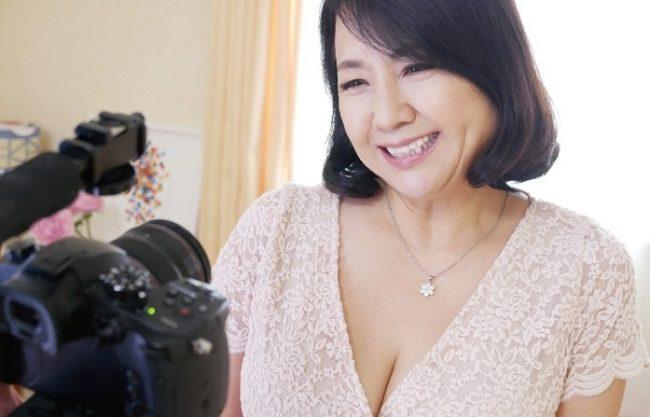 ◆六十路◆『もっとSEXがしたくて…♥』63歳の新人がデビュー!絶品おっぱいでパイズリ奉仕、性欲暴発エロ人妻!!