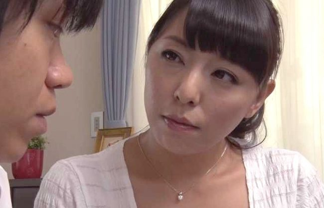 ◆熟女◆『そうよ、もっと突いて…♥』母親のオナニーで欲情!むっちりおばさんがフェラ&生ハメで指導する近親相姦で絶頂