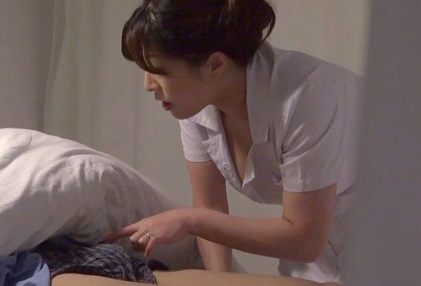 ◆熟女ナンパ企画◆『ガマンしないで♥』病院でコスプレ性交しちゃう絶倫おばさん!こっそりチ○ポに悶絶しまくり