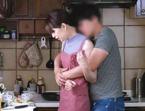 ◆熟女◆『ダメ…親子なのよ…♥』四十路主婦が息子に犯される家庭内強姦!貧乳おばさんの完熟ボディが舐め回されて中だし絶頂