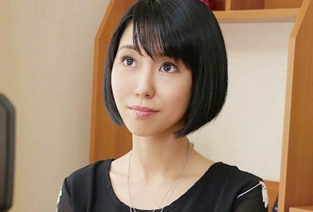◆人妻◆『んッ、、イッちゃいます…♥』アニメ声に萌え!プロ声優の三十路主婦がスレンダーボディで絶頂するデビューFuckw